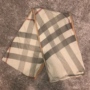 Burberry cashmere scarf with some flaws